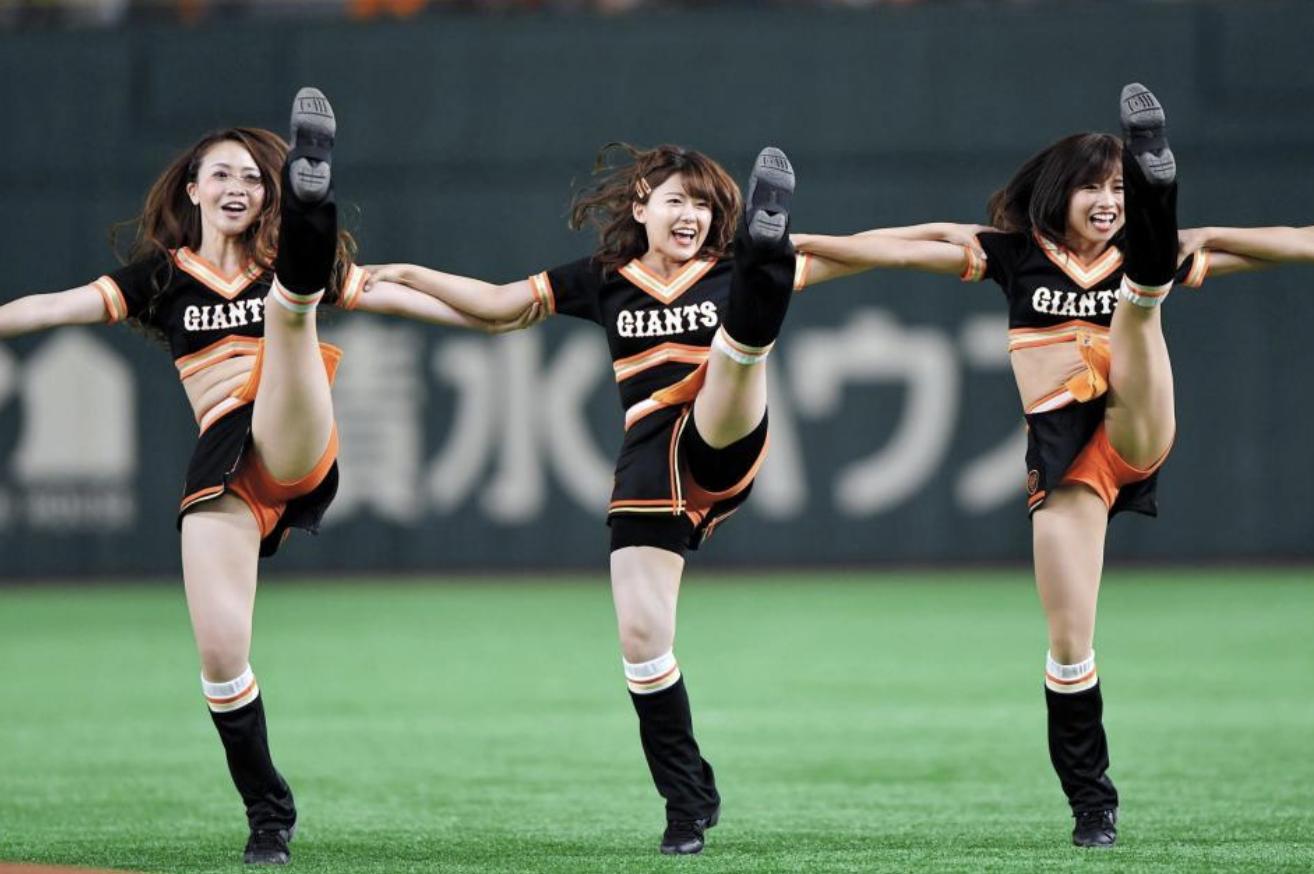 尾崎里紗アナのチア画像と動画!踊ってる理由はなぜ?