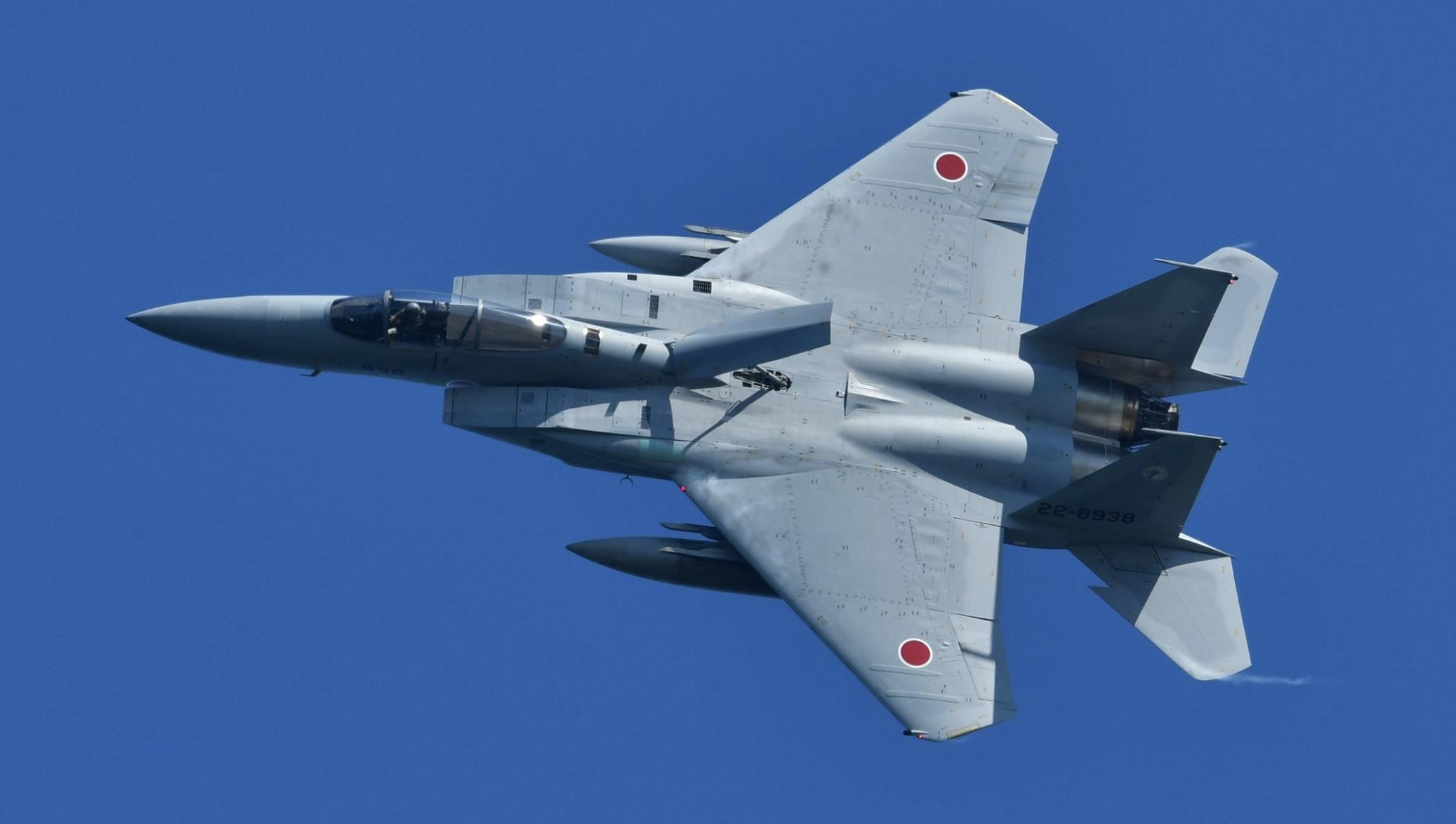 小松航空祭2019のブルーインパルスの編隊動画まとめ!戦車が出た演目も!