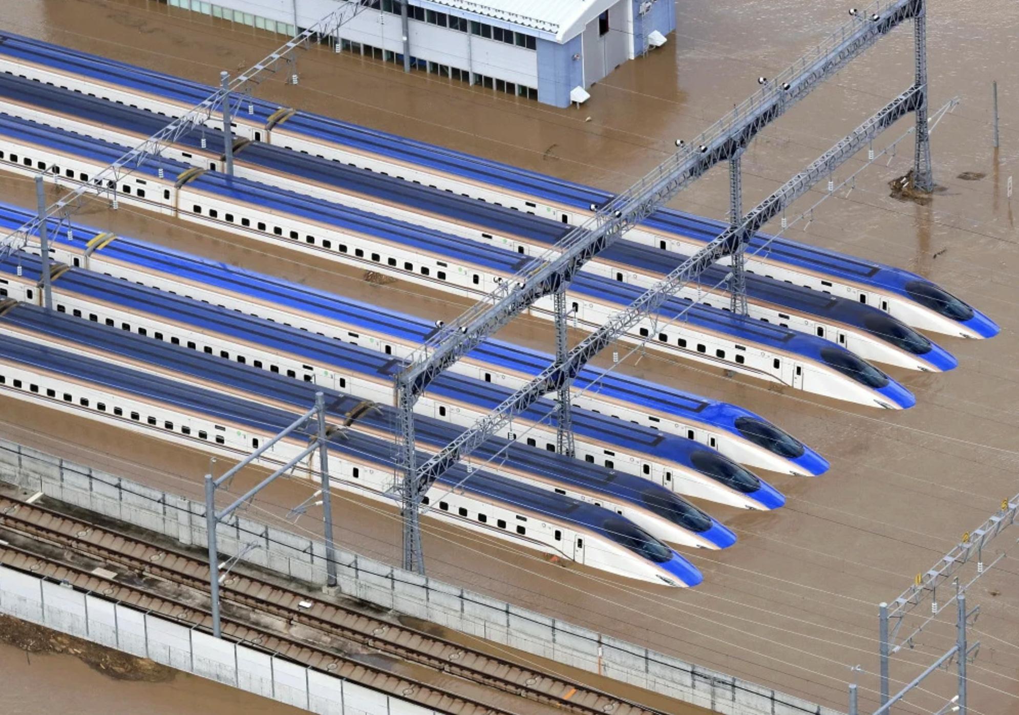 臨時はくたか運行時間や乗り継ぎは?北陸新幹線かがやき水没復旧はいつまで?