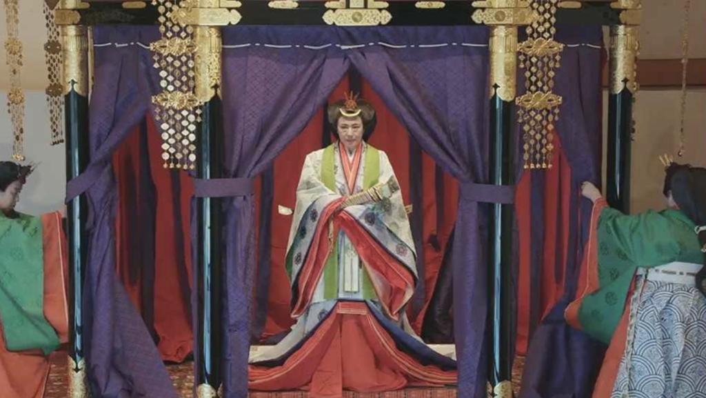 即位礼正殿の儀の服装まとめ!黄櫨染御袍や十二単の画像あり!