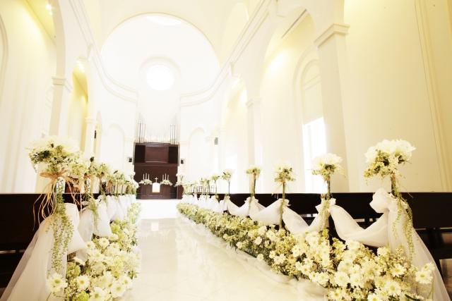 二宮和也の結婚挙式や披露宴会場はいつどこで?ドレスや引き出物も!